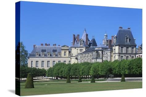 France, Ile-De-France, Fontainebleau, 16th Century Fontainebleau Palace--Stretched Canvas Print