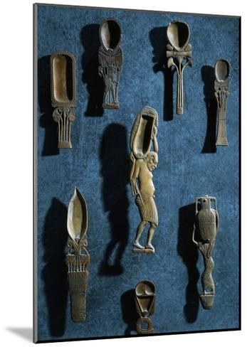 Toiletry Items, Spoons for Cosmetic Colored Powders, New Kingdom--Mounted Giclee Print