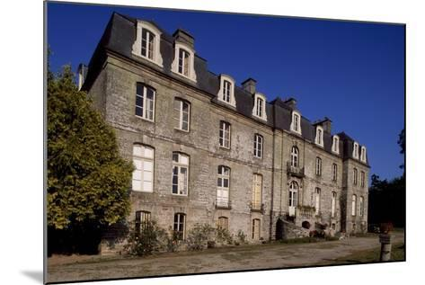 Rear Facade of Chateau De Tregranteur, Guegon, Brittany, France, 18th-19th Century--Mounted Giclee Print
