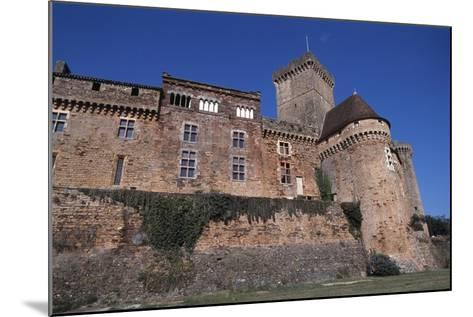 View of Chateau De Castelnau-Bretenoux, Prudhomat, Midi-Pyrenees, France, 11th-17th Century--Mounted Giclee Print