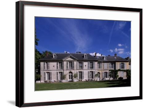 Facade of Chateau De Vilmorin, Verrieres-Le-Buisson, Ile-De-France, France, 17th-19th Century--Framed Art Print