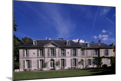 Facade of Chateau De Vilmorin, Verrieres-Le-Buisson, Ile-De-France, France, 17th-19th Century--Mounted Giclee Print