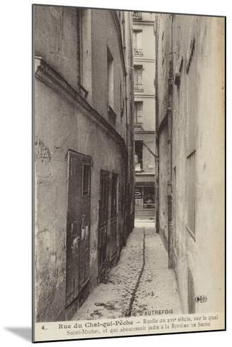 Postcard Depicting Old Paris--Mounted Photographic Print