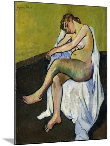 Seated Nude; Nu Assis, 1916-Suzanne Valadon-Mounted Giclee Print