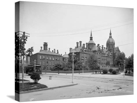 Johns Hopkins Hospital, Baltimore, Md., C.1903--Stretched Canvas Print