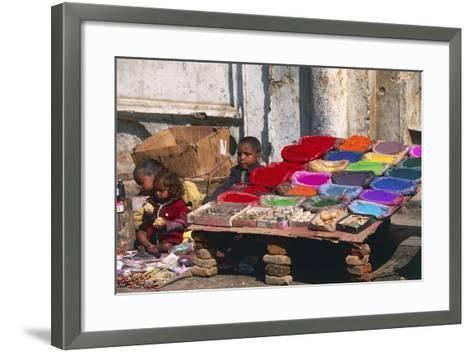 Children at a Colour Pigments Market Stand--Framed Art Print