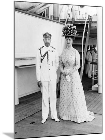 Their Majesties at Aden, 1911--Mounted Photographic Print