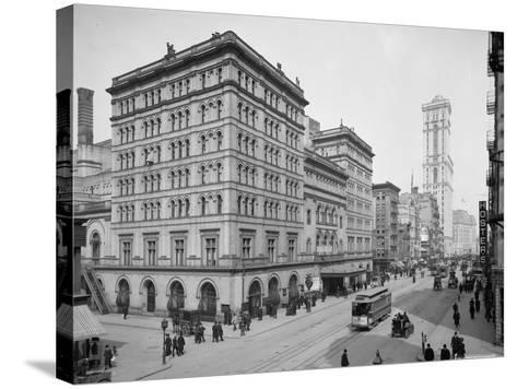 Metropolitan Opera House, New York City, C.1905--Stretched Canvas Print