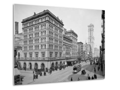 Metropolitan Opera House, New York City, C.1905--Metal Print