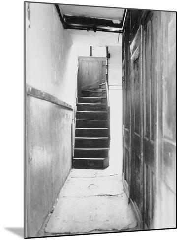 The Interior of 29 Hanbury Street,1888--Mounted Photographic Print