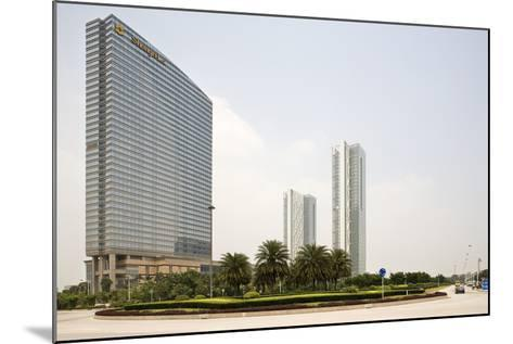 Shangri-La Hotel, Pazhou, Guangzhou, China--Mounted Photographic Print