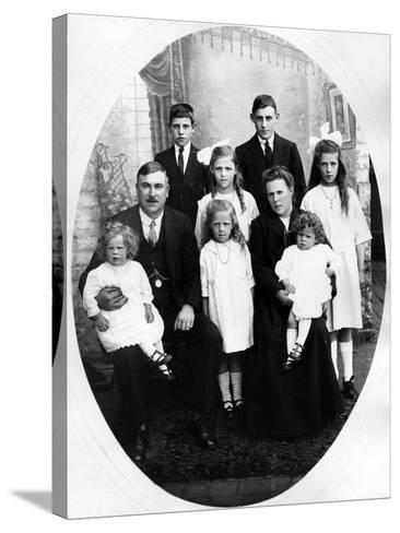 Early Edwardian Family Group, C. 1905--Stretched Canvas Print