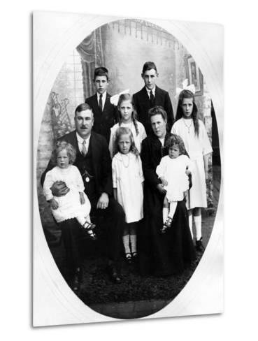 Early Edwardian Family Group, C. 1905--Metal Print