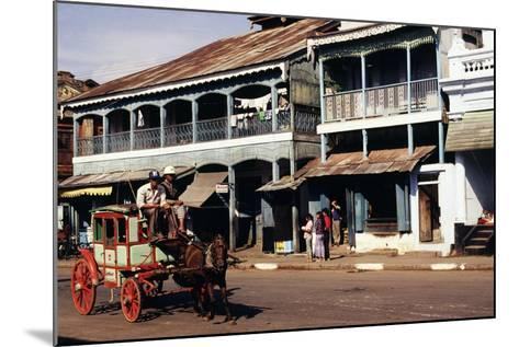 Street Scene, Mamyo, Myanmar--Mounted Photographic Print
