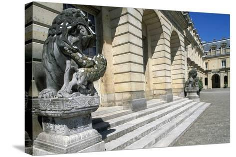 Fontana Court, Palace of Fontainebleau--Stretched Canvas Print