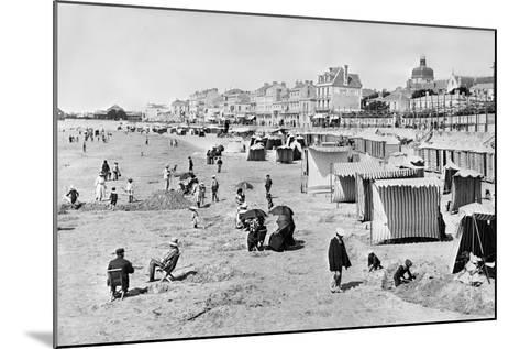 Les Sables-D'Olonne, C.1900--Mounted Photographic Print