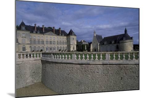 View of Chateau De Montgeoffroy, 1772-1776-Jean Benoit Vincent Barre-Mounted Giclee Print