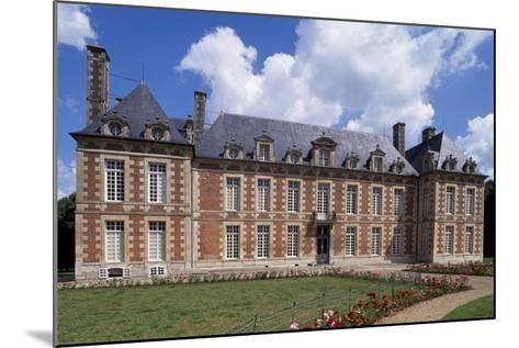Chateau De Fayel Facade and French Garden, 1650-1655-Jacques Bruant-Mounted Giclee Print