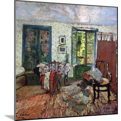Annette in an Interior; Annette Dans Un Interieur, C.1903-Edouard Vuillard-Mounted Giclee Print