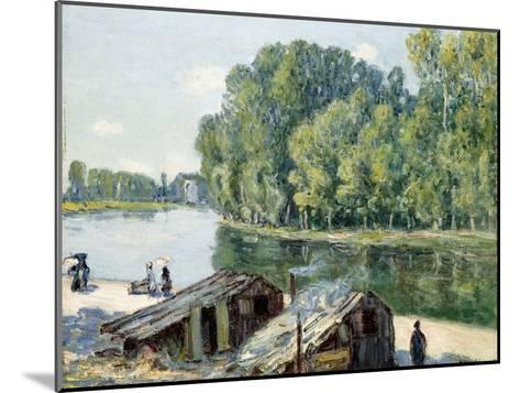 Huts Along the Canal Du Loing, Effect of Sunlight, 1896-Alfred Sisley-Mounted Giclee Print