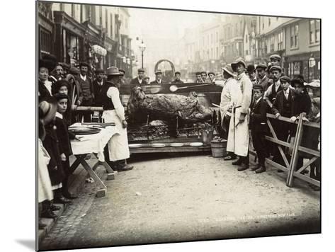 Roasting the Ox', Stratford-Upon-Avon Mop Fair, C.1914--Mounted Photographic Print