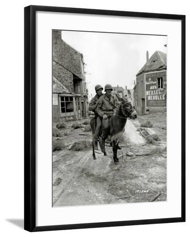 Two U.S. Soldiers, Pfc William Jackson and T4 Joseph King--Framed Art Print