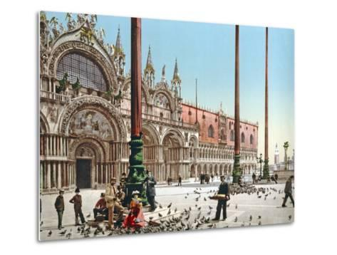 Feeding the Pigeons in St Mark's Square, Venice, C.1900--Metal Print