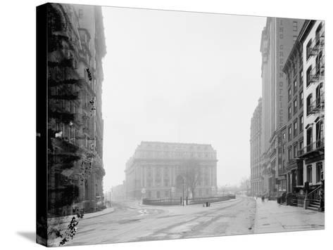 Custom House and Bowling Green, New York, N.Y., C.1907-10--Stretched Canvas Print