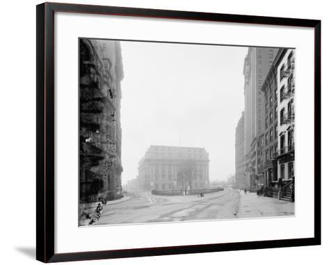 Custom House and Bowling Green, New York, N.Y., C.1907-10--Framed Art Print