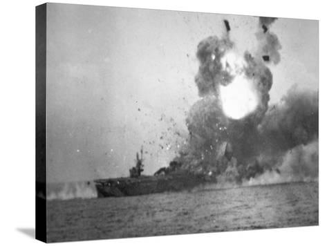 USS St. Lo Explodes, Battle of Leyte Gulf, October 1944--Stretched Canvas Print