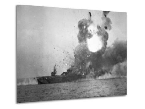 USS St. Lo Explodes, Battle of Leyte Gulf, October 1944--Metal Print