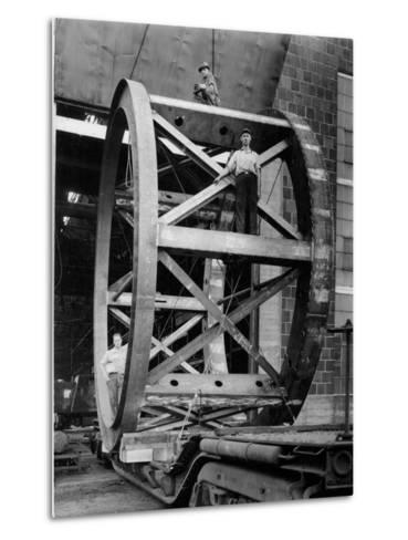Transporting of the Framework of the Hale Telescope, C.1936-48--Metal Print