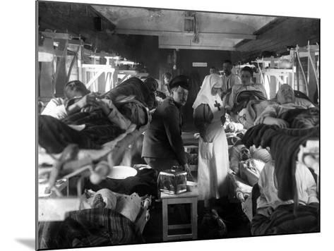 Nurses Tending the Wounded on a Red Cross Train, C.1915--Mounted Photographic Print