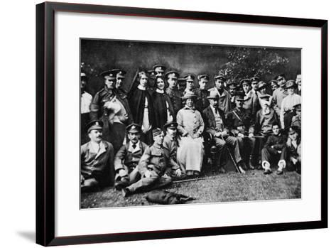 K. of K. Plays the Host: Lord Kitchener Entertains a Number of Wounded Soldiers at Broome Park--Framed Art Print