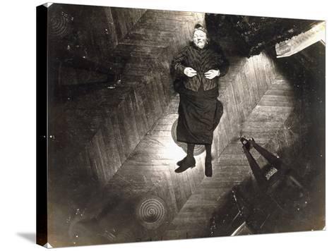 Assassinat De Madame Veuve Bol, Projection Sur Un Plan Horizontal, 25, 1904--Stretched Canvas Print