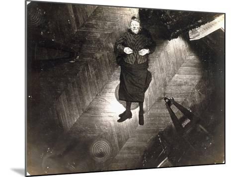 Assassinat De Madame Veuve Bol, Projection Sur Un Plan Horizontal, 25, 1904--Mounted Photographic Print