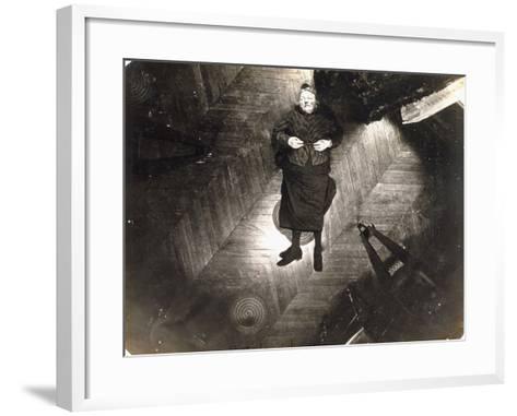 Assassinat De Madame Veuve Bol, Projection Sur Un Plan Horizontal, 25, 1904--Framed Art Print