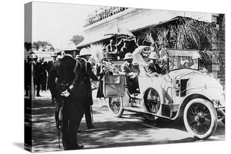 King George V and Queen Mary Leaving Nagpur Station for the Sitabuldi Fort, 1911--Stretched Canvas Print