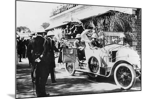 King George V and Queen Mary Leaving Nagpur Station for the Sitabuldi Fort, 1911--Mounted Photographic Print
