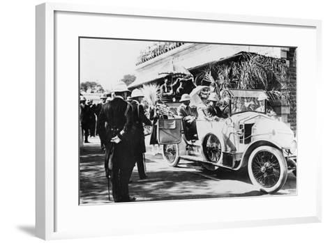 King George V and Queen Mary Leaving Nagpur Station for the Sitabuldi Fort, 1911--Framed Art Print