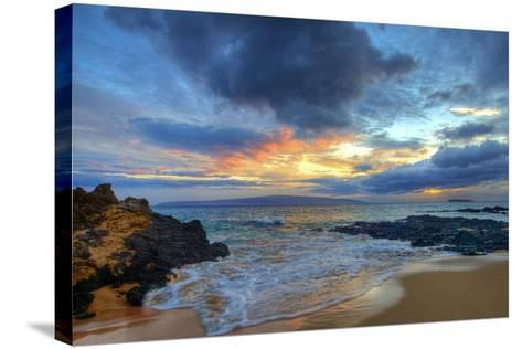 Sunset over Secret Beach at Makena on Maui-Ron Dahlquist-Stretched Canvas Print