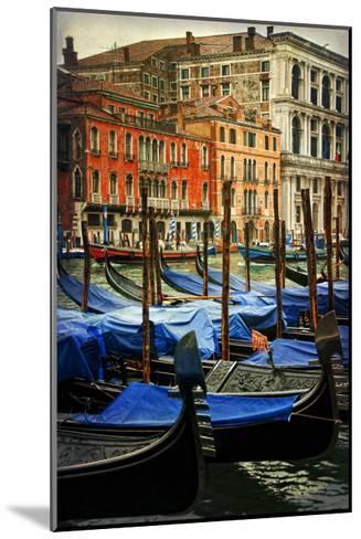 Venetian Canals I-Danny Head-Mounted Art Print