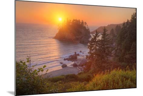 Setting Sun at Trinidad, Northern California Coast-Vincent James-Mounted Photographic Print
