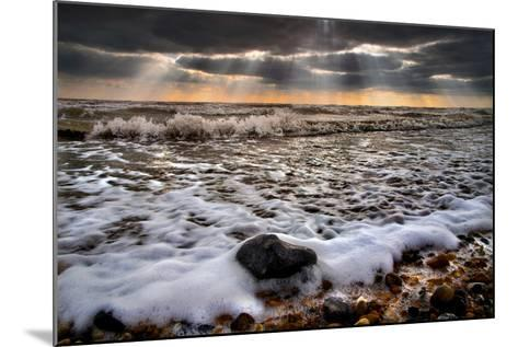 On the Rocks-Adrian Campfield-Mounted Photographic Print