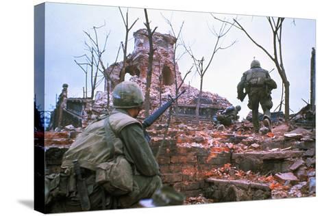 American Marines Advancing up Outer Wall of Citadel-Kyoichi Sawada-Stretched Canvas Print