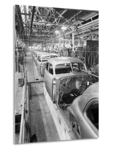 Empty Assembly Line at Auto Body Plant--Metal Print