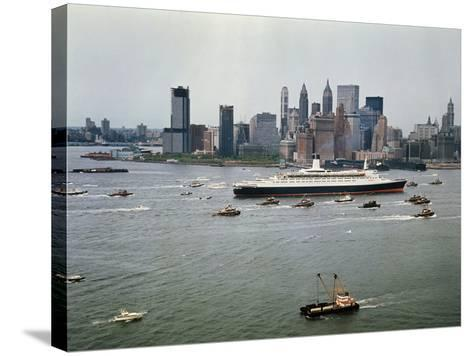 Queen Elizabeth 2 Sailing out of New York Harbor-Maurel-Stretched Canvas Print