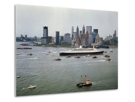 Queen Elizabeth 2 Sailing out of New York Harbor-Maurel-Metal Print