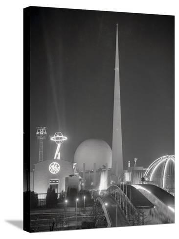 The Trylon and Perisphere--Stretched Canvas Print