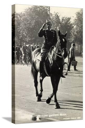 König Von Dänemark Christian X Auf Einem Pferd--Stretched Canvas Print